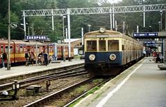 PKP / Polish Railways EN57-1772, Zakopane, Poland. 07.2001. (Laurie Mulrine) Tags: pkp polishrailways en571772 zakopane poland