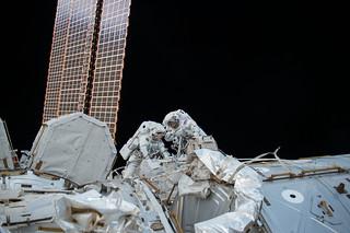 Spacewalkers Mark Vande Hei and Randy Bresnik