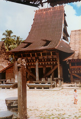 Bawomataluo, Nias, 1980 (Elios Amati) Tags: eliosamati indonesia nias sumatra traditionalhouse architecture