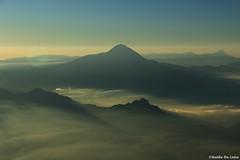 Tajumulco entre bruma (Guido De León) Tags: guatemala visitguatemala guatemalaimpresionante guatedepostal