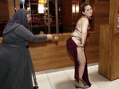 """What Princess Leia thinks about the """"Shame Nuns"""" (greyloch) Tags: dragoncon cosplay costumes starwars gameofthrones tvcharactercostume tvcharacter moviecharactercostume moviecharacter sexy humor funny 2017 canonrebelt6s niksoftware"""