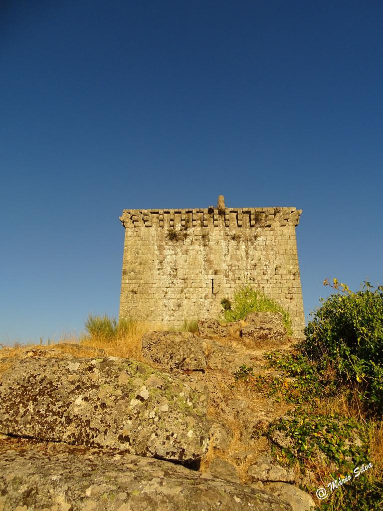 Águas Frias (Chaves) - ... o castelo de Monforte de Rio Livre ...