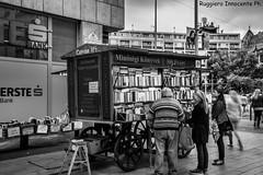 Libreria a Budapest (baridue) Tags: libreria budapest libri cultura streetphoto streetphotography street