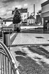 Vor dem großen Lauf... - Before the big run _-B&W (Siggi-Dee) Tags: industrial industrie rottenplaces kaputt zerstört destroyed verwüstet devestated stahlindustrie steel lokomotive zug train zugbrücke railwaybridge zerbeulte kraft dented force zement cement steinbruch quarry engine decay zerfall hdr nightshots nachtfotografie tonemappeddart darts treppe stairs jacket jacke pink green grün sofa couch street photography streetphotography strasenfotografie humans menschen street´s life leben monochrome fuji fujifilm xpro1 fujinon xc 1650mm ois ii xf 18mmf2 27mmf28 streetpoto urban schwarzweis bw blackwhite black white einfarbig city candid mirrorless graffiti siegda siggidee