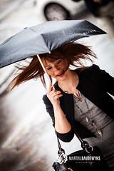 Je sais .... mariage pluvieux...mariage heureux !!!! (Martial Baudewyns photographe) Tags: martial marsatak mariage baudewyns parapluie pluie