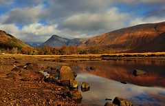 Peace and tranquillity (images@twiston) Tags: lochetive loch sea water tranquil tranquillity serene serenity autumn sunlight glen etive stobdubh buachailleetivemòr buachailleetivemor buachailleetivebeag stobdubah beinnceitlein benstarav stobnabroige le longexposure 10stopnd reflections reflection blue sky clouds rocks rocky shore trees river gualachulain mountains glencoe rannochmoor corbett munro moor moorland remote hills highlands scottishhighlands highlandsofscotland mountain rock valley scotland landscape green grass meadow patchwork dappled hill imagestwiston schottland caledonia ecosse escoia alba lakes lake argyllbute argyllandbute argyll