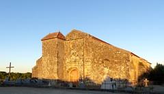Quel est ce lieu baigné par la lumière du soleil couchant? La basilique St Fris à Bassoues, Gers. (Marie-Hélène Cingal) Tags: france