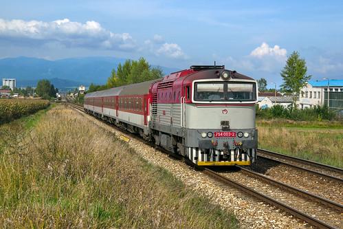 "ZSSK 754 003-2, R 951 ""Gader"" (Žilina - B. Bystrica)  / locomotive 754 003-2 with fast train 951 / Diviaky-Turčianske Teplice - SLOVAKIA"