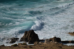 Praia da Cresmina / Cascais (4) / Portugal (Ull màgic (+1.500.000 views)) Tags: portugal atlàntic atlántico oceà aigua agua water onades roques natura naturaleza nature paisaje paisatge landscape fuji xt1