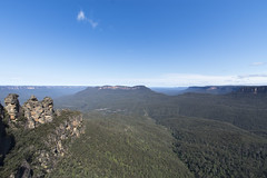 three sisters (Greg Rohan) Tags: rocks rock newsouthwales outdoor outdoors australianlandscape bluemountains threesisters 3sisters d7200 2017 bush landscape tree trees wood forest sky mountains australia oz katoomba nsw nature