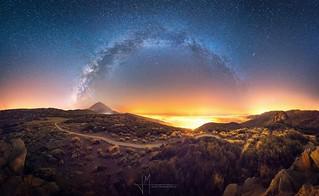 Vía Láctea sobre el Valle de la Orotava,