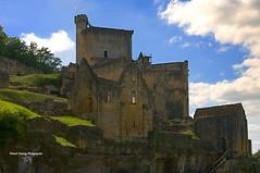 Dordogne, Périgord-noir France ( photopade (Nikonist)) Tags: château dordogne féodale féodal architecture moyenage commarque périgordnoir forteresse fortifications imac nikond300 nikon apple mac affinityphoto afsdxvrzoomnikkor1685mmf3556ged castle