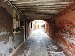 Sotoportego e Corte Nova, Venice