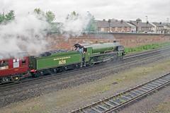 Overlord+50 : 828 + train approaching Eastleigh Station, 4 June 1994 (Ian D Nolan) Tags: railway railtour 35mm epsonperfectionv750scanner 828 lswr sr 460z s15 om40 dday eastleighstation southamptondocks