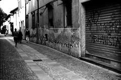 No Guerra (Leica M6) (stefankamert) Tags: stefankamert street noguerra people alley leica m6 leicam6 summitar kodak trix analog grain mood film bw baw blackandwhite blackwhite city colico lakecomo tones noir noiretblanc