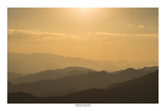 [Layers] (Marcos Jerlich) Tags: sunset sunlight silhouettes landscape sky cielo cloud mountains october flickr 7dwf mountainrange brasil serradamantiqueira américadosul canon canont5i canon700d efs1855mm marcosjerlich