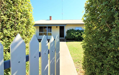 247 Wakaden St, Griffith NSW 2680