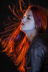 Audrey (cadphoto) Tags: audrey chemisernoir cheveuxlongs fondnoir portrait rousse studio