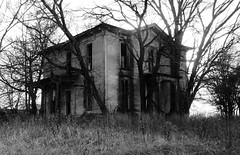 the house on haunted hill... (BillsExplorations) Tags: abandoned abandonedhouse decay ruraldecay farmhouse farm forgotten discarded neglected abandonedillinois haunted hill creepy halloween scary oncewashome wow