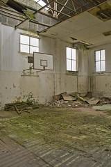 _MG_8203 (daniel.p.dezso) Tags: kiskunlacháza kiskunlacházi elhagyatott orosz szoviet laktanya abandoned russian soviet barrack urbex ruin gym reclaim