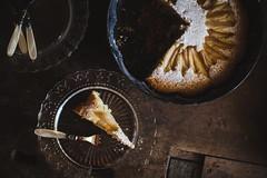 Afternoon break (pierfrancescacasadio) Tags: ottobre2017 kitchen cake 50mm stilllife cucina torta cioccolato pere tortacioccolatoepere 01112017840a3118