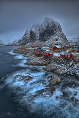 Hamnøy - the stormy one (judith.kuhn) Tags: festhæltinden hamnøy reise travel norway lofoten norwegen nordland island insel berg mountain dorf ort village building fishinghut landschaft landscape natur meer sea ocean wellen waves fjord reinefjorden wasser water felsen rocks schnee snow winter fischerhütten rorbuer gebäude