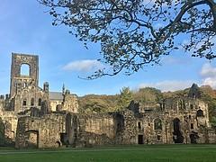 Kirkstall Abbey (ncanon888832) Tags: riveraire monk cistercians leeds kirkstallabbey