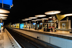 Waiting for the train (Roberto Braam) Tags: rotterdam station centraal railway railroad people cityscape urban holland ns architecture building europe netherlands scenery rotterdamcentraal citycentre centraalstation centralstation blaak