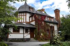 House at Skansen in Stockholm, Sweden 20/9 2017. (photoola) Tags: stockholm skansen djurgården sweden house villa photoola