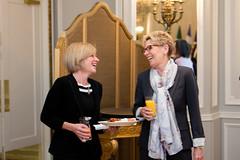 Premier/première ministre Notley and/et Premier/première ministre Wynne at the COF meeting/à la rencontre du CDF