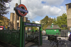 Warwick Avenue station, Warwick Avenue, W9 (Tetramesh) Tags: tetramesh london england britain greatbritain gb unitedkingdom uk londër лондан лондон londres londýn londen lontoo λονδίνο londain londra londone londyn llundain londrez loundres londono londinium llondon lunnainn lùndra