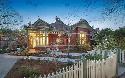 13 Epping St, Malvern East VIC 3145