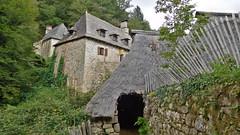 DSCN6318 Tours de Merle, Saint-Geniez-ô-Merle (Corrèze) (Thomas The Baguette) Tags: cantal auvergne france basilique mauriac notredamedesmiracles puysaintmary puy leclou vicsurcere toursdemerle soult argentat correze chastaigne barrage aigle thiezac