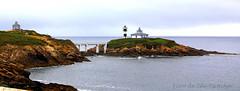 Espectacular vista Faro de Isla Pancha. (gilmavargas) Tags: faroycastillode espana europa paisajes landscape earth mar beauty sea grass sky bay ocean water coast lighthouse seascape galicia lighthouses windmills