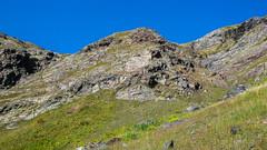 """Po kilku godzinach przedzierania się przez trawiaste zbocza, pozostaje do pokonania jeszcze ta """"łatwa"""" 90m sciana o wycenie 2. Szybko okazuje  sie że tam wszystko jest ruchome i niebezpieczne. (Tomasz Bobrowski) Tags: wspinanie mountains gruzja kaukaz góry marjanishvili zeskhobasecamp caucasus georgia climbing"""