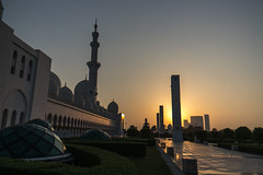 Sheikh Zayed Sunset (jonathan.scaife81) Tags: abu dhabi united arab emirates uae sheikh zayed grand mosque sunset samsung nx300 18200mm light