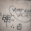 "#Manif10octobre #Nantes #GameOfTags: ""MORT AUX VACHES .:"" (A) (ValK.) Tags: gameoftags loitravailxxl pjlterrorisme loitravail cabanedupeuple etatdurgencepermanant maisondupeuple nantes politique valk demonstration fonctionpublique graff graffiti greve intersyndicale manifestationunitaire social tag france fr"