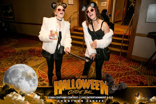 "Halloween Costume Ball 2017 • <a style=""font-size:0.8em;"" href=""http://www.flickr.com/photos/95348018@N07/38024826046/"" target=""_blank"">View on Flickr</a>"