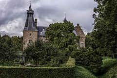 Cheerful Castle Doorwerth-5 (AaronP65 - A sincere thnx for over 9 million views) Tags: kasteel castle doorwerth haunted netherlands gelderland