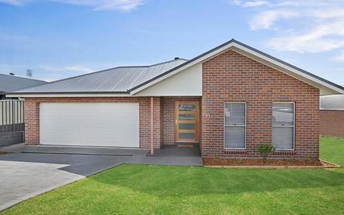 33 Stayard Drive, Bolwarra Heights NSW