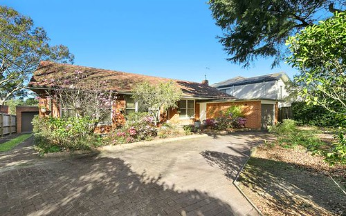 25 Memorial Av, St Ives NSW 2075