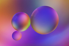 Day 295 (Tres Seis Cinco) Tags: closeup abstract creative circle bubble 365 365photoproject 365project aphotoaday day295 oilandwater colour colourful purple blue orange macro ball round 100mm