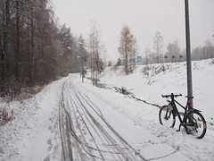 Praise the plows! (olmofin) Tags: bicycle snow polkupyörä tracks lumi ensilumi finland espoo leppävaara