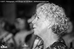 2017 Bosuil-Het publiek bij Ian Siegal 18-ZW