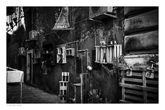 via bonajuto n.9, catania, sicilia (héctoRcondE) Tags: 2017 catania d610 italia marzo nikon sicilia viaje calles calle negocio blancoynegro bw blackwhite biancoenero bn monocromo monocromatica