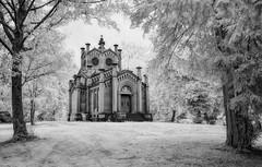 Mausoleum (ramstyle pictures) Tags: cemeterie crypt friedhof mausoleum gruft infrarot infrared monochrom blackwhite schwarzweis bw sw ramstyle ramstylepictures darkstyle darkstylepictures