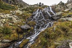 Riu de Juclar, Principat d'Andorra (kike.matas) Tags: canon canoneos6d canonef1635f28liiusm kikematas hdr riudejuclar juclar valldincles canillo andorra andorre principatdandorra pirineos paisaje nature rio agua cascada senderismo excursión lightroom6 puente sedas андорра