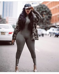 2017-10-17 21.03.47 1627814467943600290_4829977586 (African Queendom) Tags: igbestcakes thickgirlsonly dopesgirlsdopebooty dailybooty instacurvesthecake curvy curvaceous curviestcurves teamcakesuperbadd naija 9janigeria curvyafricangirls africasouthafrica kenya ghana booty africanqueen queendom pictureoftheday