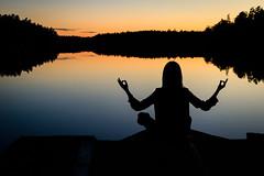 Nobelt tillstånd (Anders Bromell) Tags: fs171008 nobel fotosondag mindfulness silhouette lake
