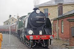 Overlord+50 : 828 + train departing from So'ton E Docks, 4 June 1994 (Ian D Nolan) Tags: railway railtour dday southamptondocks 35mm epsonperfectionv750scanner 828 sr lswr om40